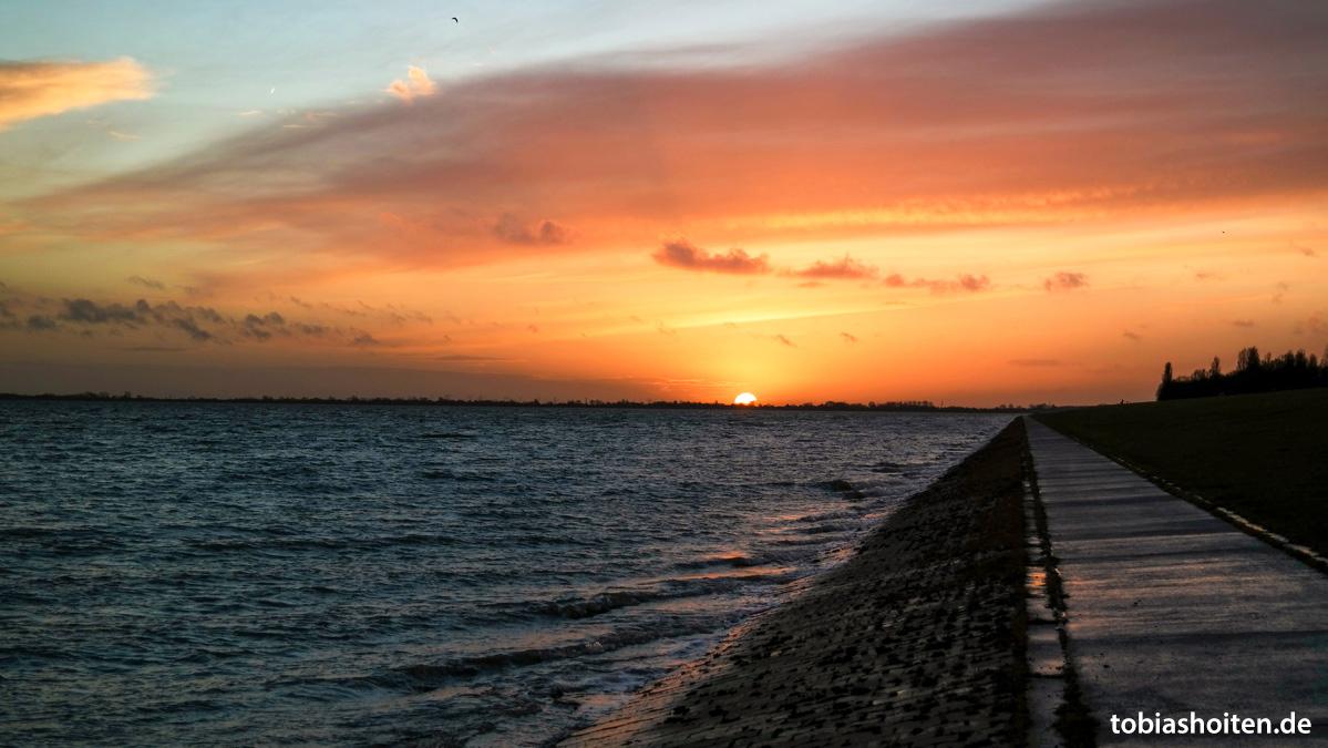 Wilhelmshaven Sonnenuntergang Tobias Hoiten