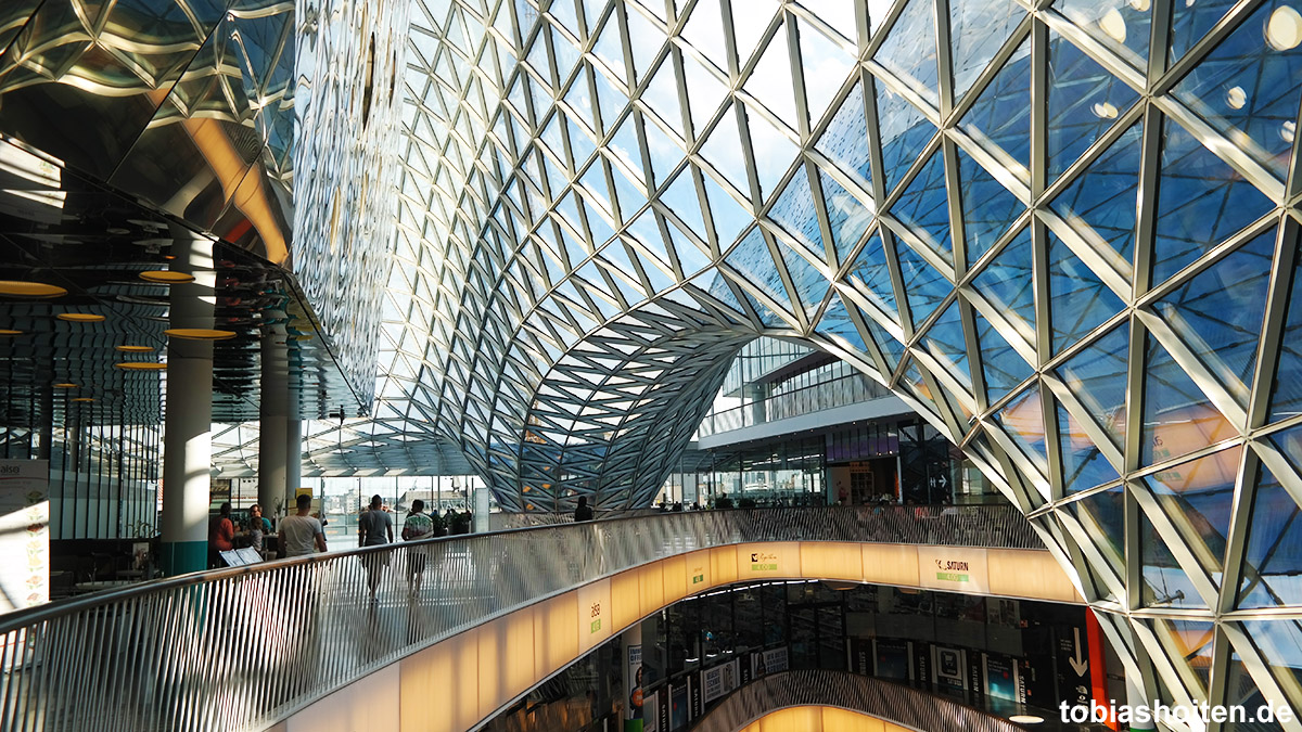 Frankfurt am Main Zeil Shopping Tobias Hoiten