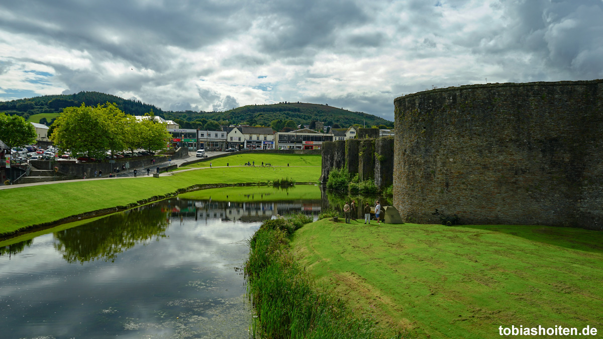 wales-caerphilly-castle-tobias-hoiten-1