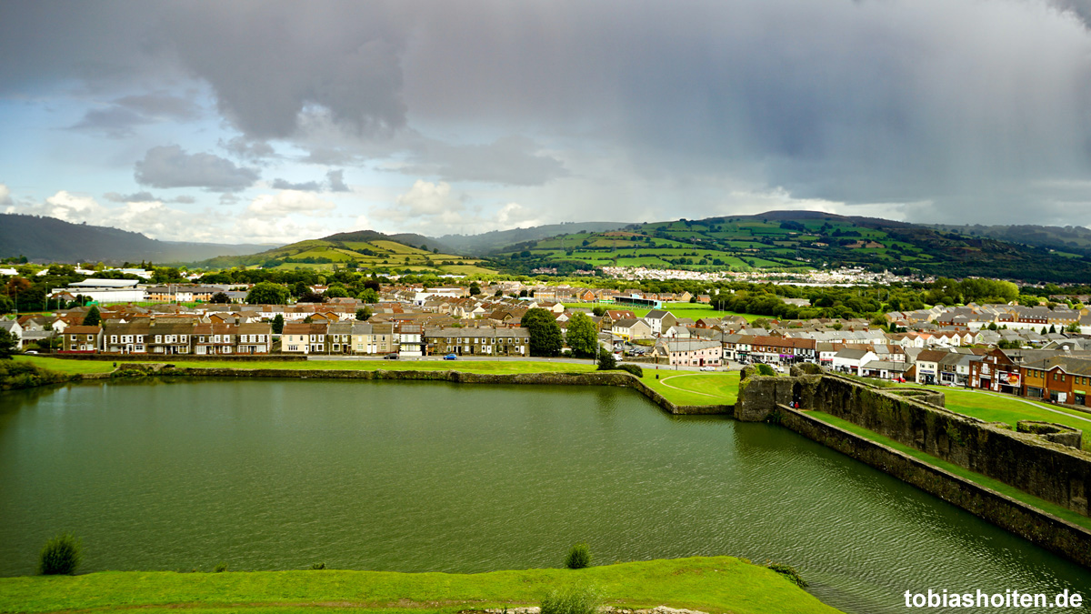 wales-caerphilly-castle-tobias-hoiten-4