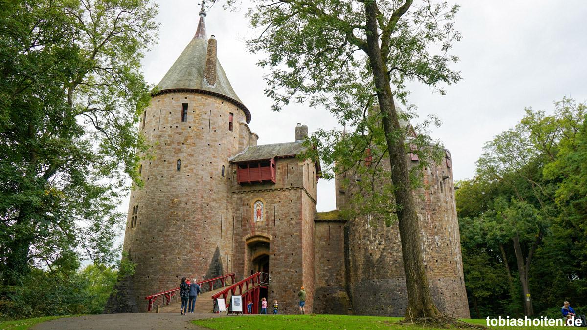 wales-castell-coch-tobias-hoiten