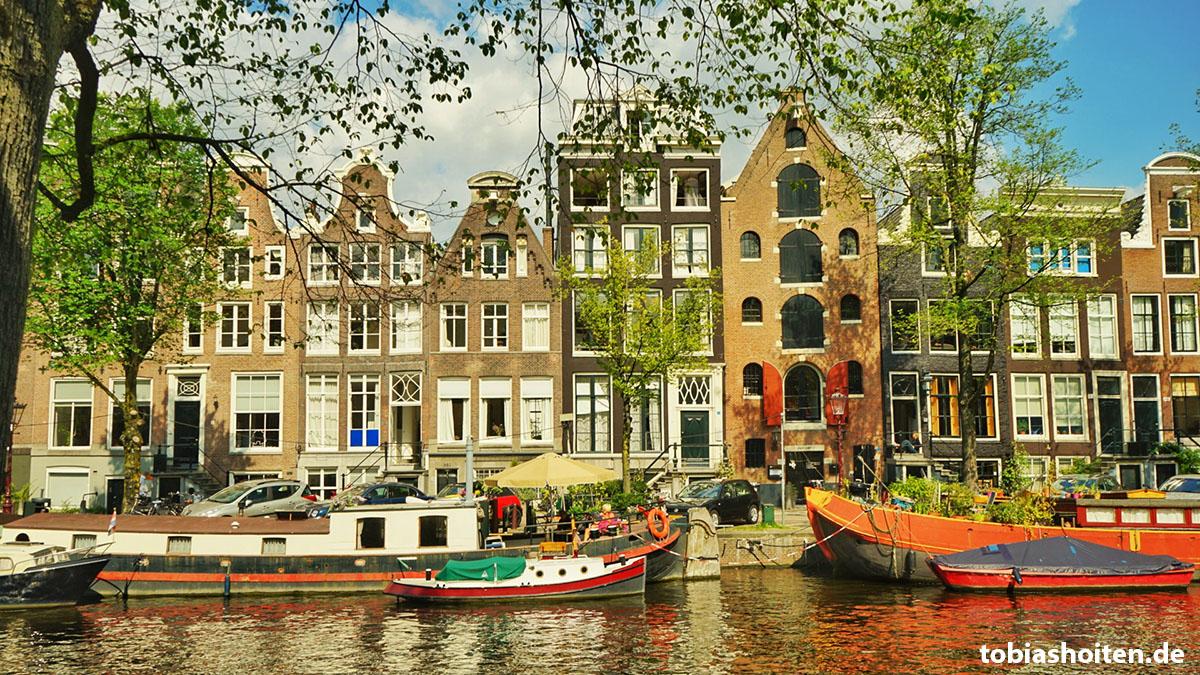 amsterdam-kanal-haeuser-tobias-hoiten