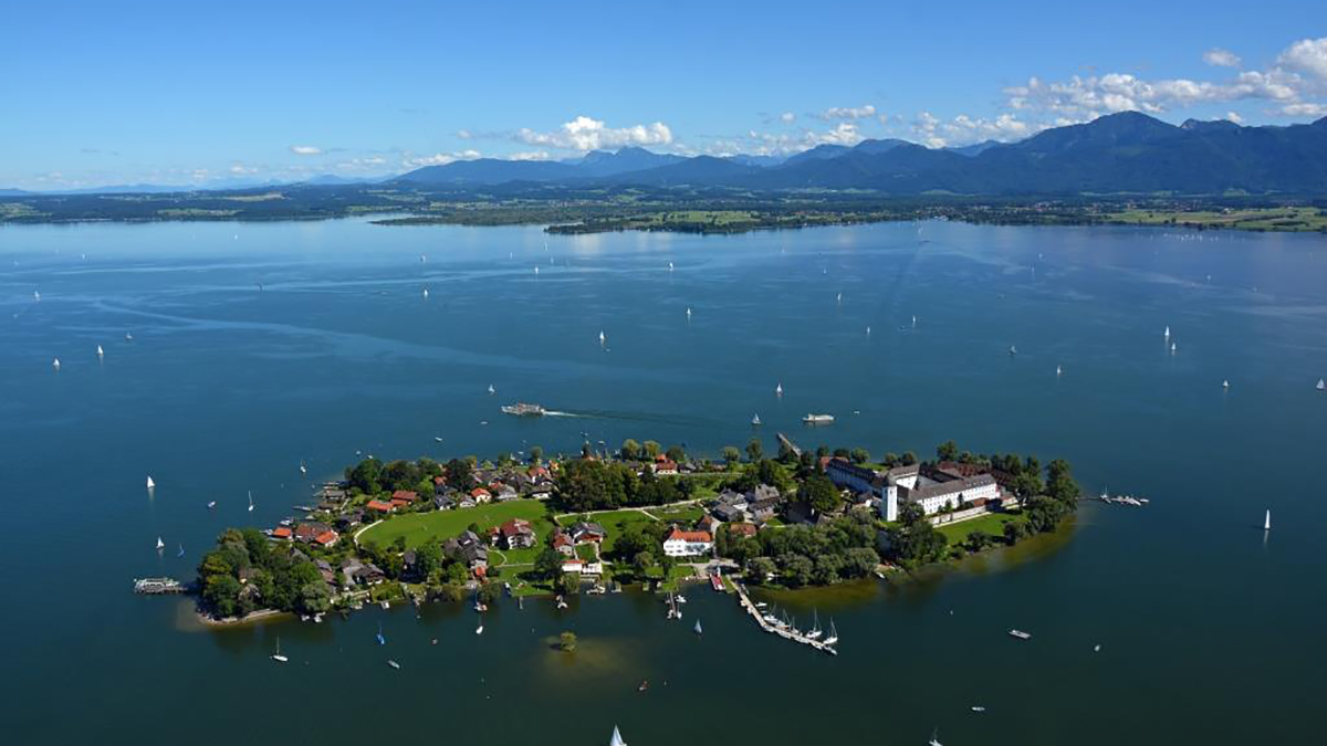 chiemsee-alpenland-fraueninsel
