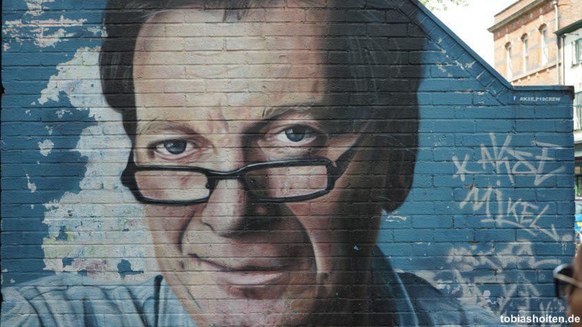 manchester-street-art-tony-wilson-tobias-hoiten