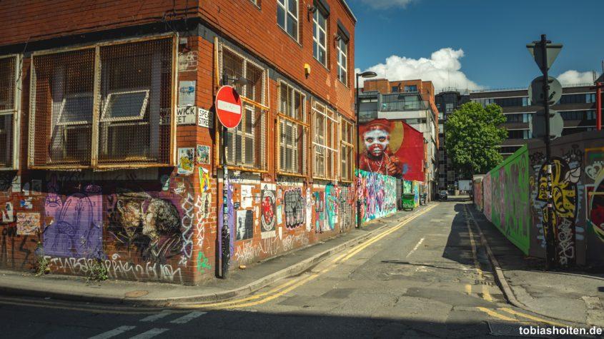 manchester-street-art-warwick-street-tobias-hoiten