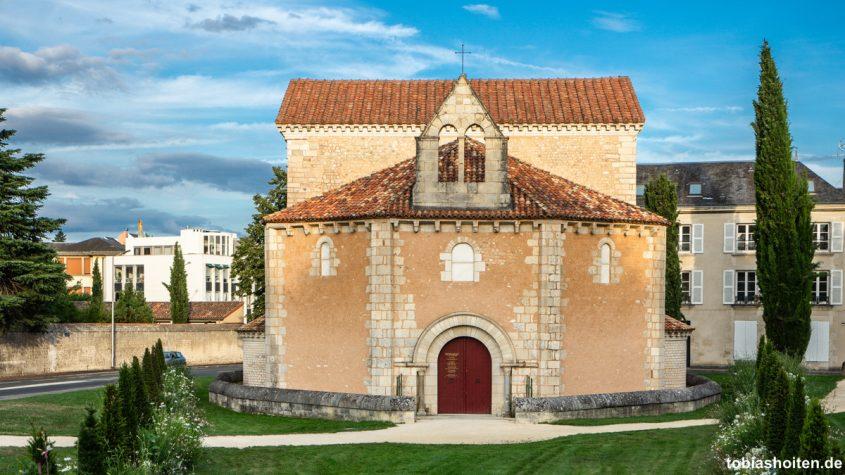 poitiers-sehenswuerdigkeiten-baptisterium-tobias-hoiten